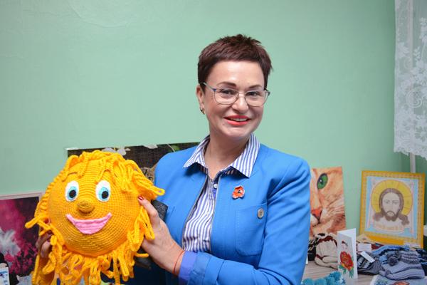 Мягкие игрушки, предметы вышивки, плетение из бисера – всё это произвело большое впечатление на представительниц Союза женщин Камчатки