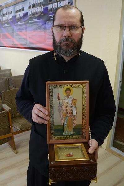 Сегодня ковчег с частицей мощей, прибывший из Москвы, был доставлен в Управление территориального органа